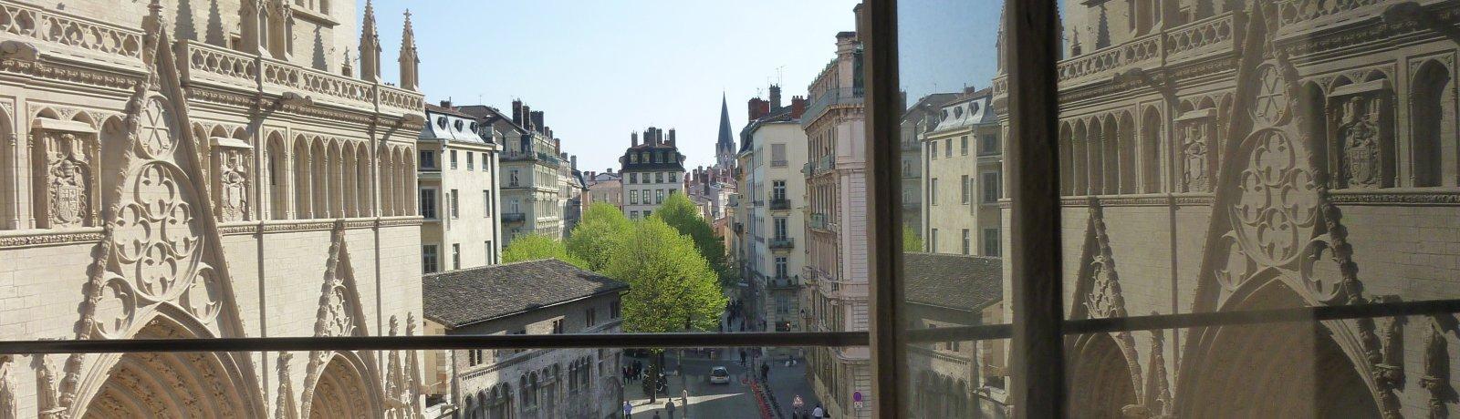 Vue sur le Vieux-Lyon prise de la location courte durée