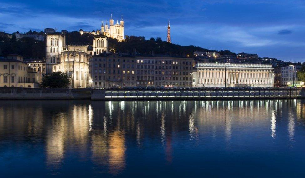 La ville de Lyon des quais de Saône